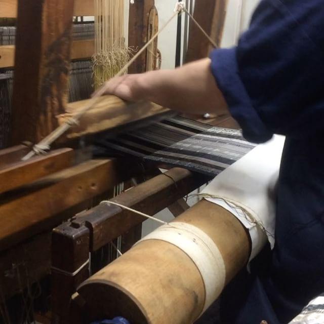 福岡のはかた匠工芸にて、博多献上帯が織られております。少しだけご紹介致します。#Samurai #博多 #博多帯 #博多献上 #着物 #和装小物 #和装 #kimono #帯 #はかた匠工芸