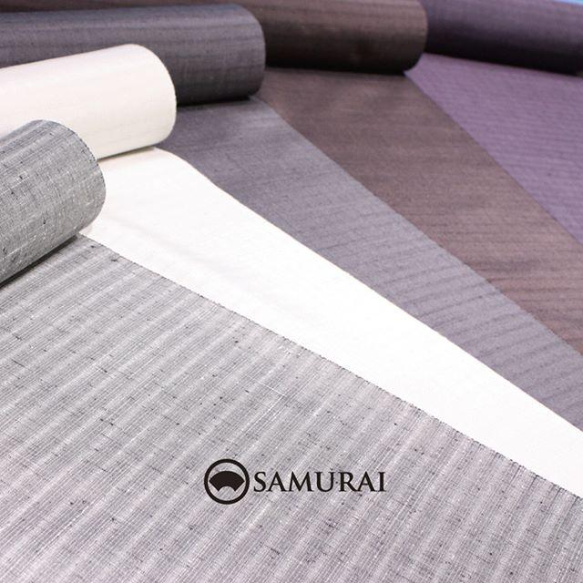 .「男極め術 羽織編」で販売している、紬の羽織生地の一部です。秋らしい色を集めてみました。手触りも柔らかで、気持ちの良い羽織に仕上がりますよ。.羽織から羽裏、羽織紐まで9月23日(土)〜9月30日(土)開催「男極め術 羽織編」で販売しています。.織物の羽織¥120,000〜(税別)