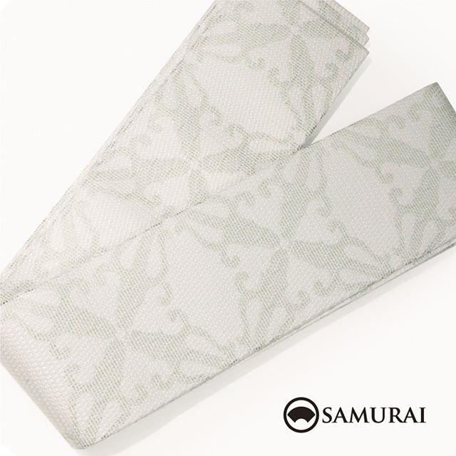 .白地にグリーンのニュアンスが涼しげな角帯です。角帯「西陣帯 アラベスク」各¥75,000(税別)#samurai #角帯 #西陣織 #男着物 #kimono #obi #きもの #着物 #浴衣 #銀座