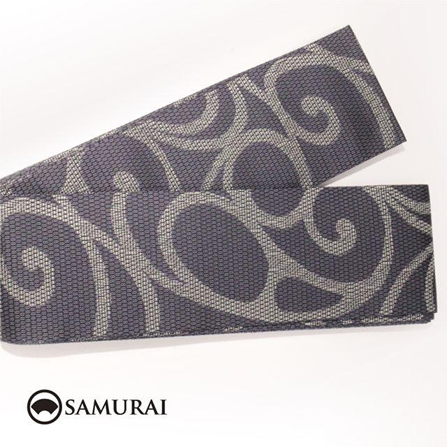 .黒地に流水紋が織り込まれた西陣織の角帯です。角帯「西陣帯 流水紋」各¥75,000(税別)#samurai #角帯 #西陣織 #男着物 #kimono #obi #きもの #着物 #浴衣 #銀座