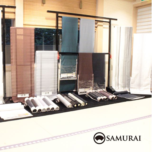 .開催中のSAMURAI祭会場です。写真は夏大島のブース。透け感のある美しい大島紬がそろいました。ほかにも爽やかな夏米沢や、秋から楽しめる本場大島紬など色柄もたくさんごさいます。気になる価格は…SAMURAIならではのクオリティと価格ですので、ぜひ会場でびっくりしてください。.SAMURAIならではの洒落感の利いた大島紬と、男の角帯を全国から選りすぐり100本!今週の日曜日まで販売しております。.「SAMURAI祭 大島編」6月24日(日)まで開催時間:11:00〜18:00会場:COCONGINZA(SAMURAI銀座本店のある銀座クイントビル2階).開催のこりわずかな日数になってまいりましたが、ぜひこの機会にSAMURAI祭へお越しください。.#kimono #着物 #男着物 #samurai #大島 #大島紬 #紬 #きもの #米沢紬 #夏着物 #ゆかた #角帯 #博多織 #博多帯 #西陣帯 #十日町帯 #米沢帯