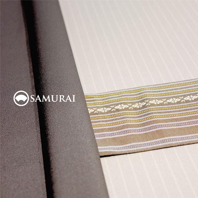 .数日続いて涼しくなってくると、そろそろ秋のおしゃれも気になりますね。今年の秋は男きものデビューしたいなという方に、SAMURAIのKATANAはいかがですか。9月1日より価格改定を予定しておりますので、8月31日まで現価格でのご購入がお得なチャンス。きものや羽織は仕立て期間がかかるので、今のご購入は秋の行楽シーズンに仕上がって丁度良いですよ。.男きもの入門編としてもオススメの男きものセット「刀-KATANA-」。きもの・羽織・長襦袢は、約30種類の反物から好みを選んでいただき、お仕立て。帯・胴裏も数ある中から好みを選んでコーディネート可能なセット商品になります。生地は「御召」ですので、ちょっとしたお出かけからセミフォーマルまで幅広く活躍します。.「刀-KATANA-」きもの+羽織+帯+長襦袢+胴裏+仕立て代まとめて一式のセット商品【8/31金曜日まで】¥165,000(税別)※9月1日以降は新価格のKATANAとしてリニューアルいたします。.生地:御召素材:正絹(絹100%)※写真の羽織紐は別売りになります。.#samurai #男着物 #kimono #着物 #きもの #samurai #katana #刀 #銀座 #ginza #japan #tokyo #御召 #着物男子 #kimonoset