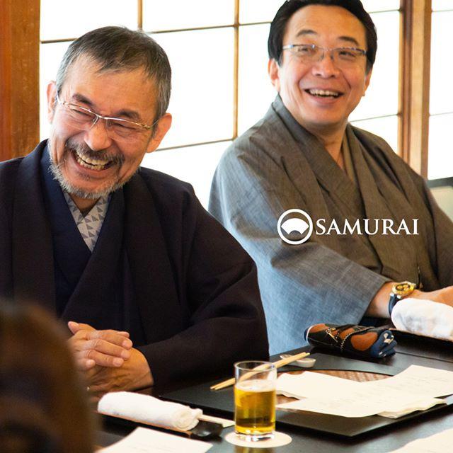 .SAMURAIを着る人。.SAMURAIの男きものを楽しんでくださっている方たちをご紹介しています。男はかっこいい。そんな言葉が浮かんできます。.----------------------当店メンバー様限定のサムライ会・5周年特別編の様子より。年代や職業を超えて、男きものを楽しむ会として開催してきたサムライ会もおかげさまで5年がたち、30回目。.春のひとときを皆さまと、楽しく、心豊かな時間を過ごさせていただきました。.#男きもの専門店SAMURAI #サムライ会 #男着物 #男きもの #着物男子 #きもの男子 #samurai #男和服 #menskimono #asakusa #浅草 #saryouichimatsu #geisha #銀座 #歌舞伎座