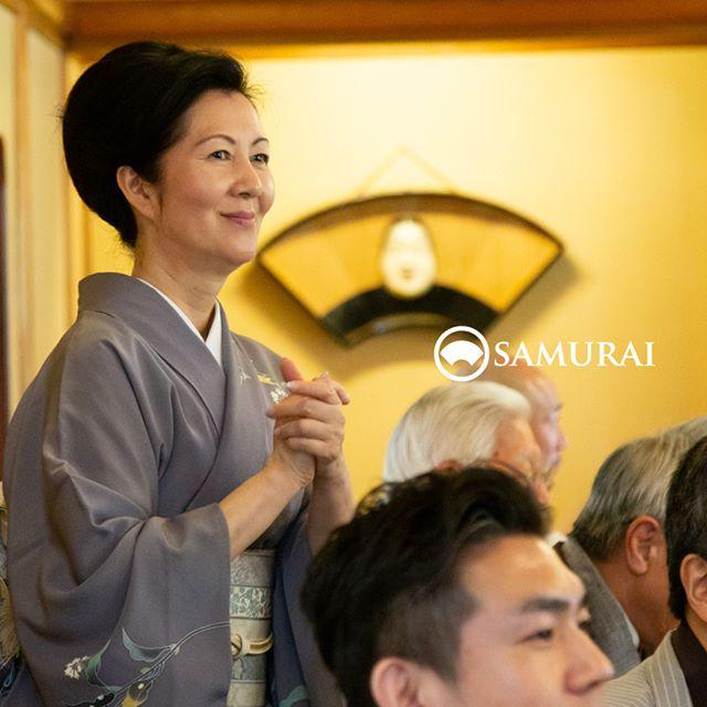 .サムライ会・5周年特別編の写真をご紹介して参りました。.銀座の歌舞伎座前に、男きもの専門店SAMURAIを開店しておかげさまで5周年を迎えることができ、サムライ会にご参加くださった皆さまが楽しんでくださって、心から嬉しい気持ちと感謝でいっぱいです。.これからも、1人でも多くの方に、男きものの魅力を伝えていけるように。また、何かとわかりにくいと言われがちな男きものの世界を、わかりやすく。安心して、楽しいお買い物のサポートができるように。丁寧に誠実に精進して参りたいと思います。.サムライ会にご参加くださった皆さまに、またInstagramをご覧いただいている皆さまに、感謝申し上げます。.男きもの専門店SAMURAI銀座本店店長梅田みゆき..#男きもの専門店SAMURAI #サムライ会 #男着物 #男きもの #着物男子 #きもの男子 #samurai #男和服 #menskimono #asakusa #浅草 #saryouichimatsu #銀座 #歌舞伎座