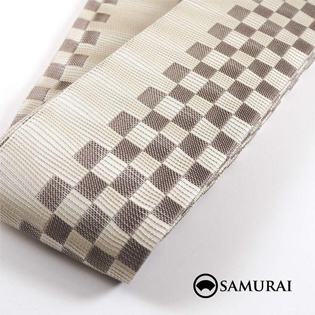 .男きもの専門店SAMURAIのオンラインショップがリニューアルしました。すぐに着られる仕立て上がりきもの、角帯や羽織紐、和装バッグ、履き物、着付け小物など男物の小物類を取り揃えております。.東銀座・歌舞伎座前にある男きもの専門店SAMURAI 銀座本店から全国へお届けいたします。---------------------------------------------男きもの専門店SAMURAIオンラインショップhttps://www.hakataobi.jp---------------------------------------------男きもの専門店SAMURAI websitehttps://kimonoman.jp---------------------------------------------#samurai #onlineshop #着物通販 #和小物 #角帯 #仕立て上がりきもの #羽織紐 #和装バッグ #男着物 #男きもの #menskimono #着物男子 #きもの男子 #銀座 #東銀座 #歌舞伎 #歌舞伎座 #男着物専門店 #男きもの専門店samrai